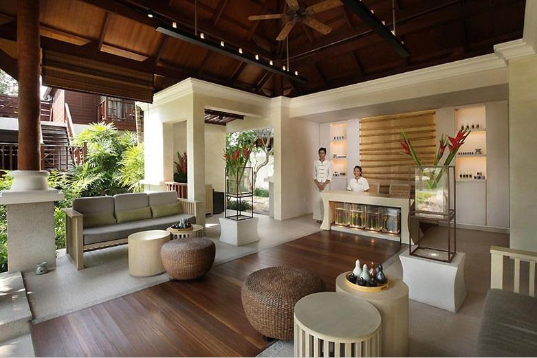 阿玛丽苏梅岛棕榈礁度假酒店位于泰国湾