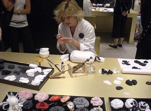 揭秘香奈儿手工坊——品质来源于唯美细节